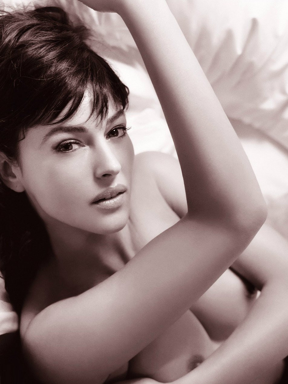 Monica Bellucci Naked 04 TheFappening.nu