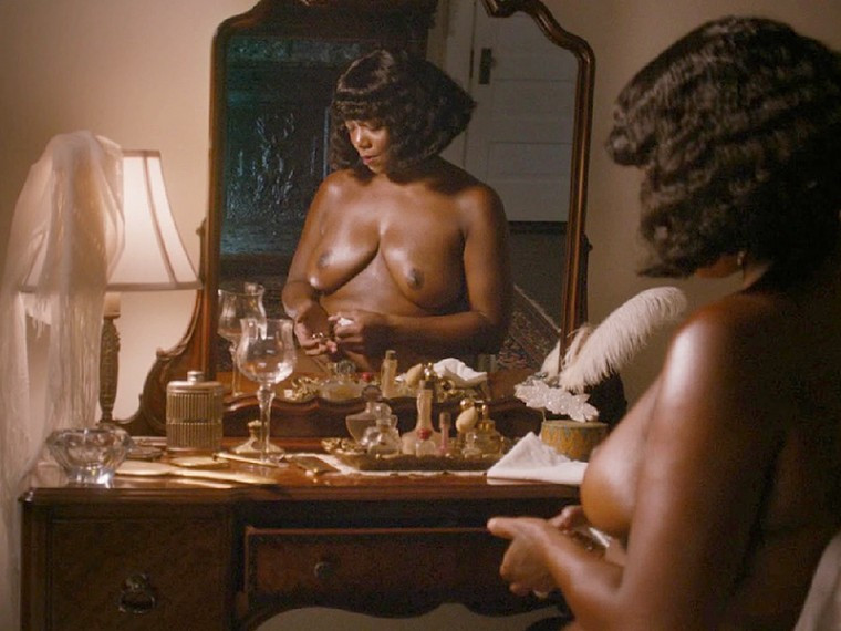 Queen-Latifah-Topless-In-The-Movie-Bessie-05-760x570-TheFappening.nuc696893f1a6b6b11.jpg