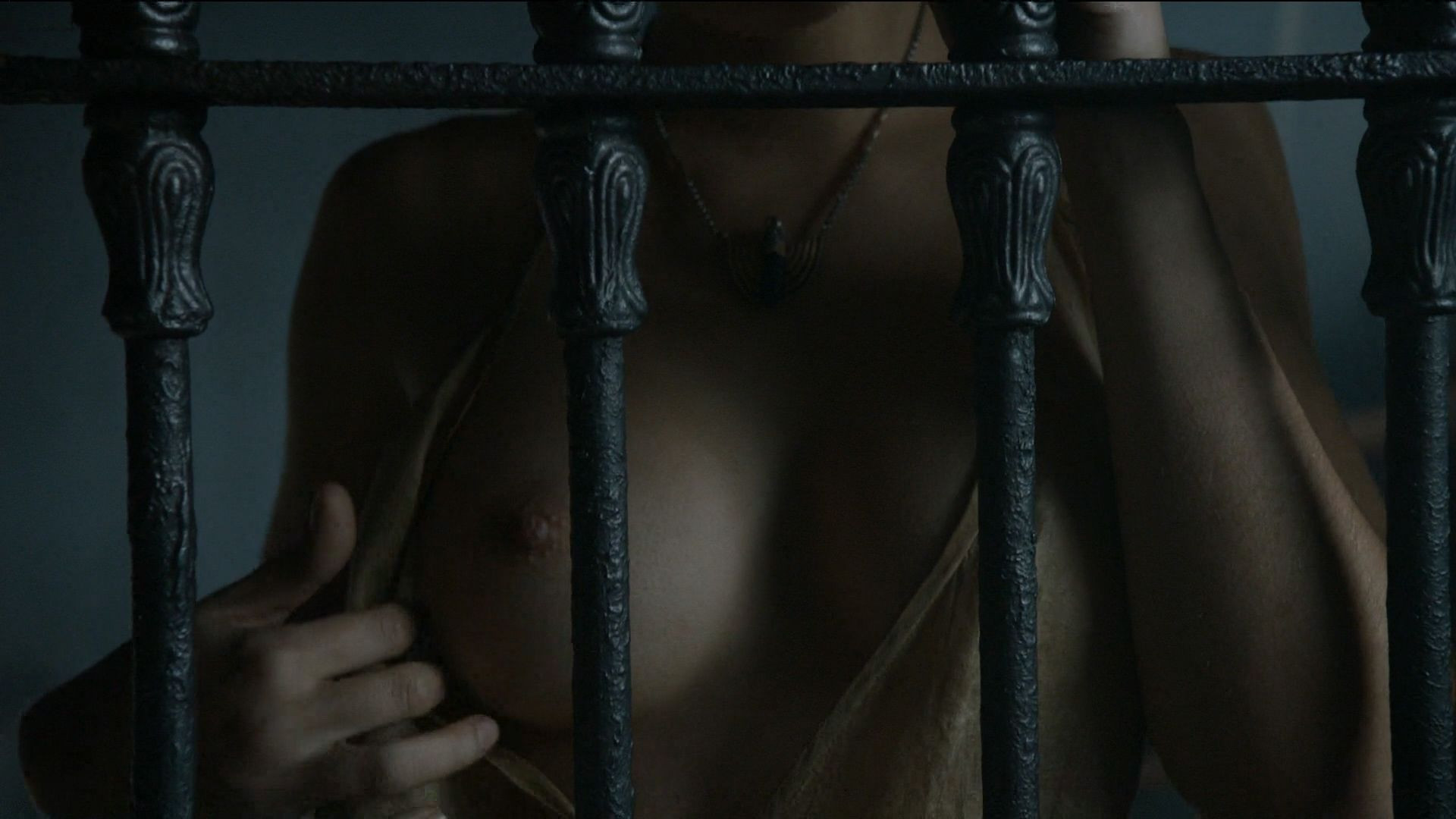 Rosabell Laurenti Sellers Topless 5 TheFappening.nu