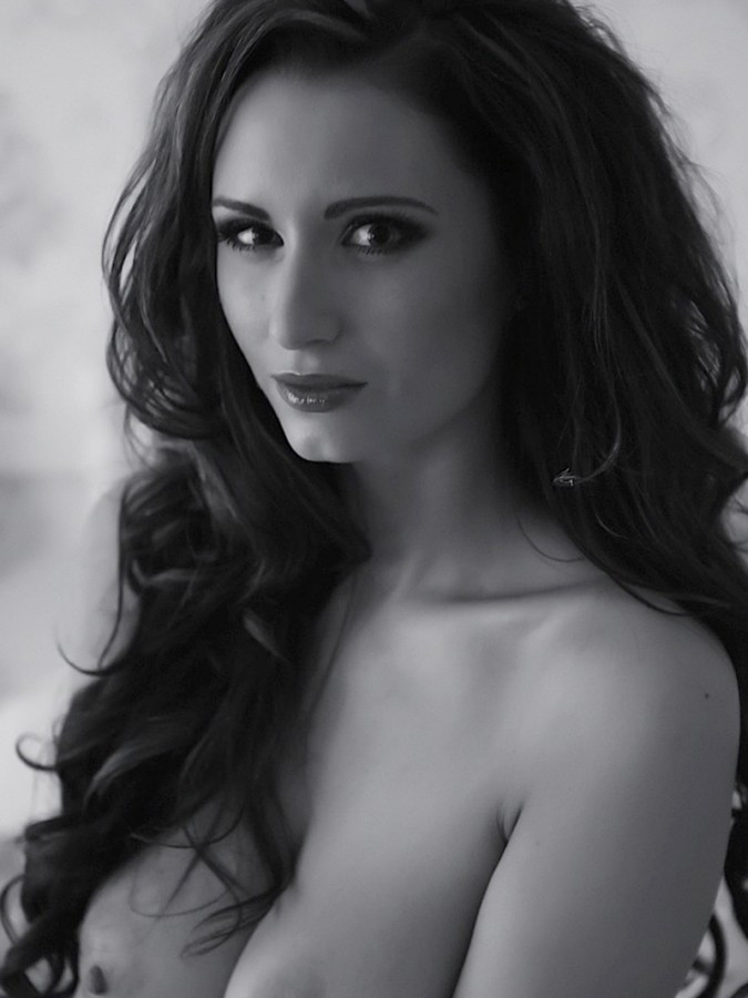 Sammy-Braddy-Black-And-White-Lingerie-23-675x900-TheFappening.nuef2932d8ce83ed47.jpg