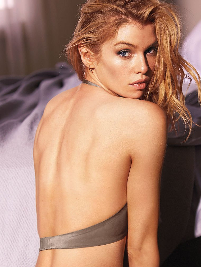 Stella Maxwell in Lingerie 08 TheFappening.nu