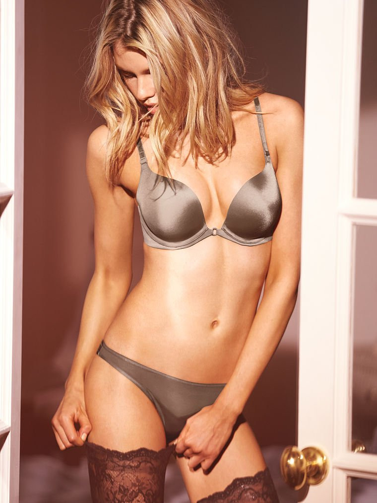 Stella Maxwell in Lingerie 10 TheFappening.nu
