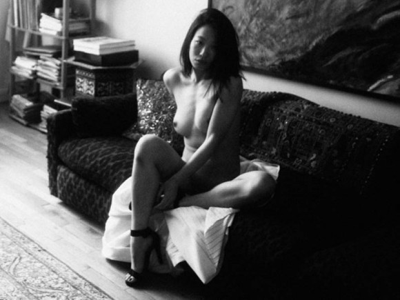 Yu Hsun Topless In Purple Diary 08 580x435 TheFappening.nu