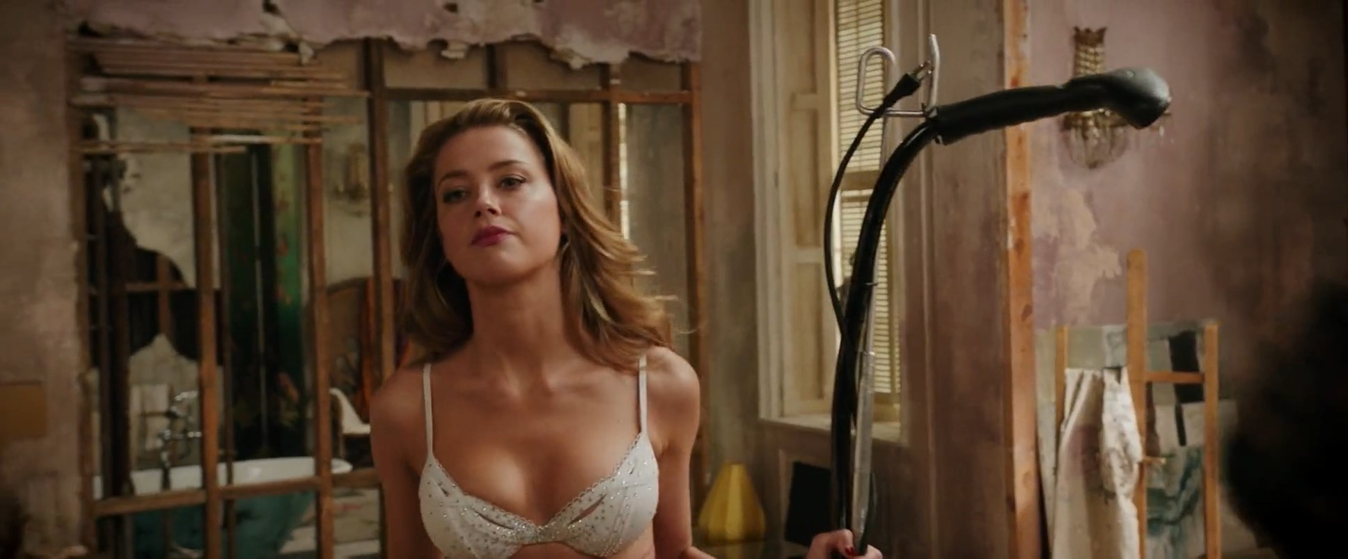 Amber Heard Nude Sexy TheFappening (16)