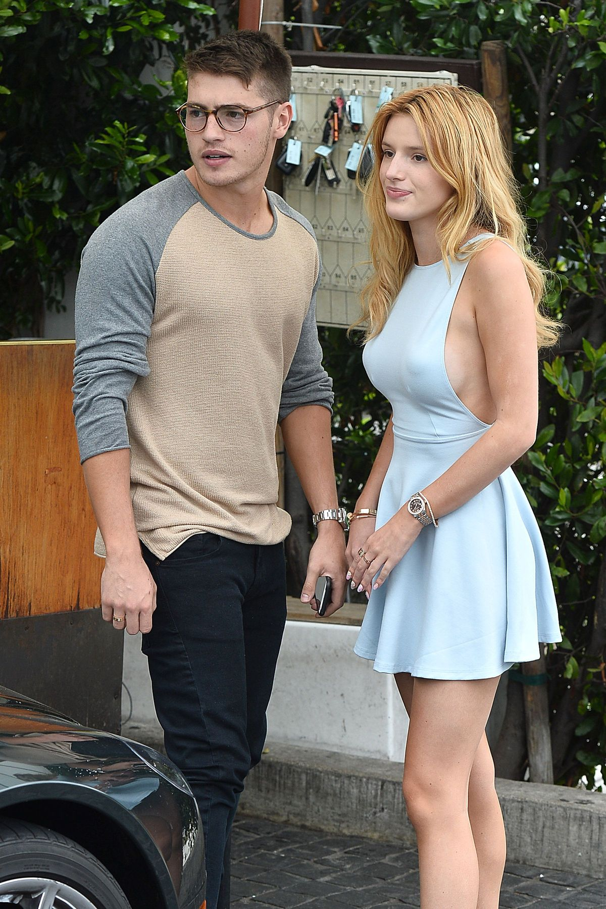 Bella Thorne Braless 39 TheFappening.nu