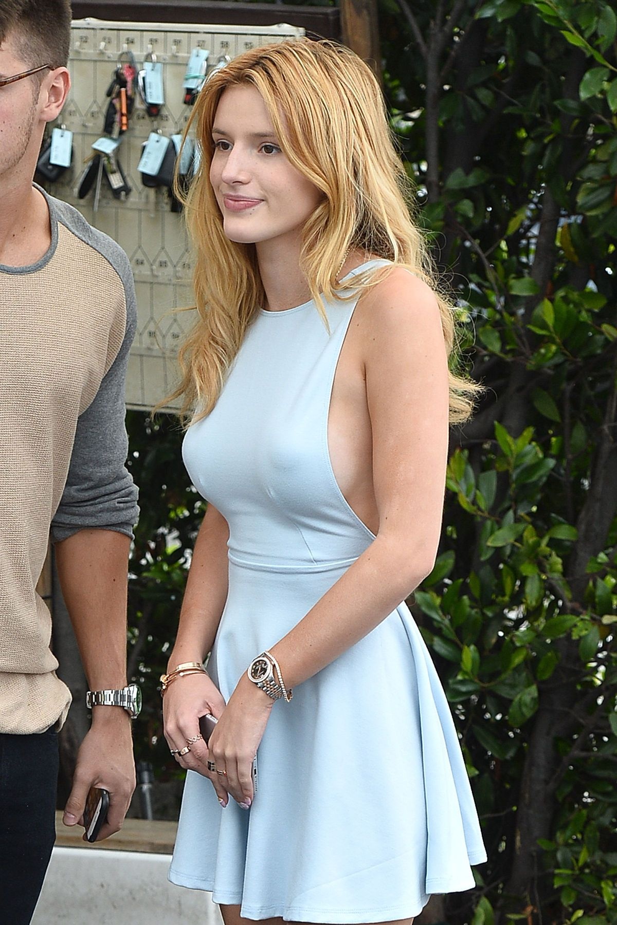 Bella Thorne Braless 41 TheFappening.nu