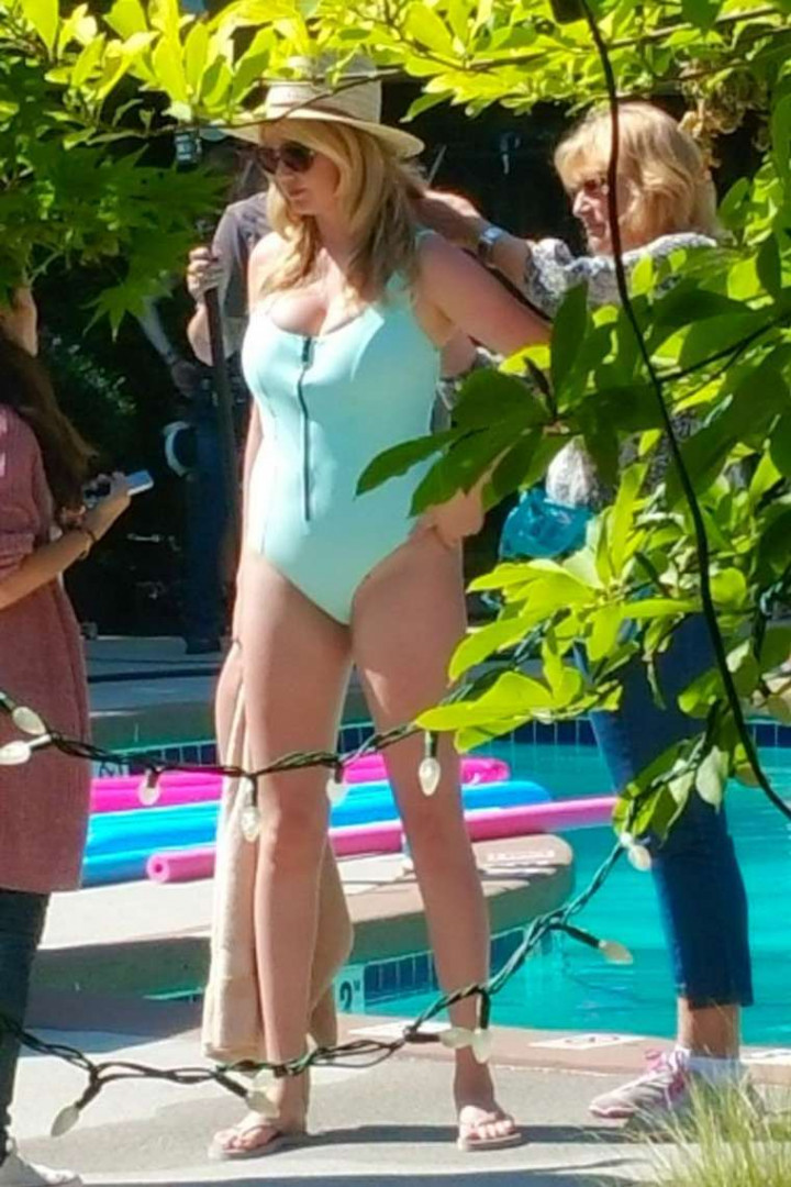 Kate-Upton-in-Swimsuit-2-TheFappening.nu56bae73261a68f07.jpg