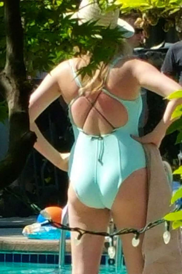 Kate-Upton-in-Swimsuit-4-TheFappening.nucde295eb2b5d3f04.jpg