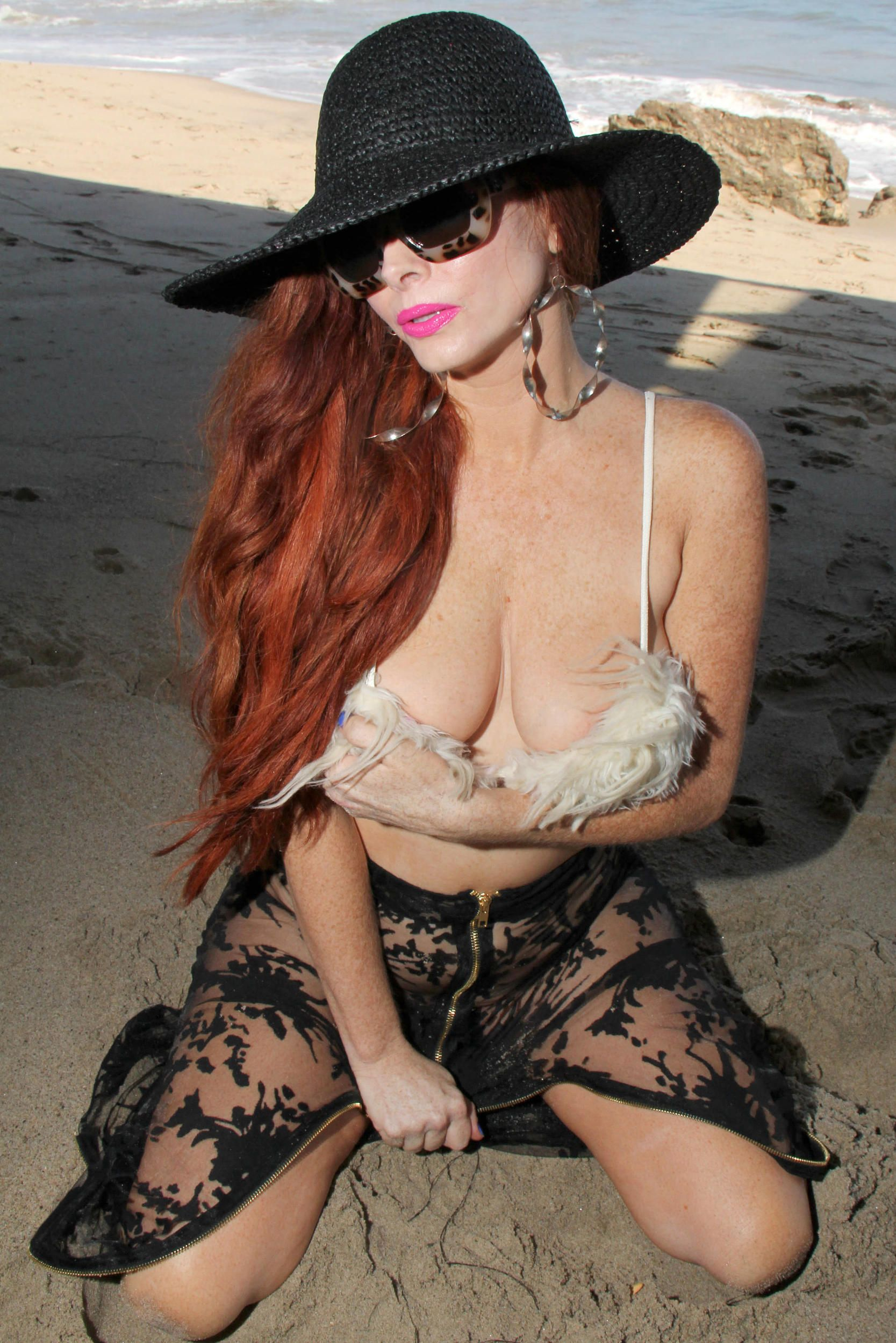 Phoebe Price Topless 1 TheFappening.nu