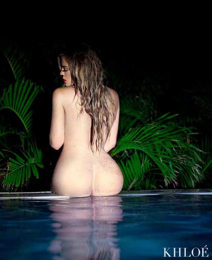 Khloe kardashian goes fully naked