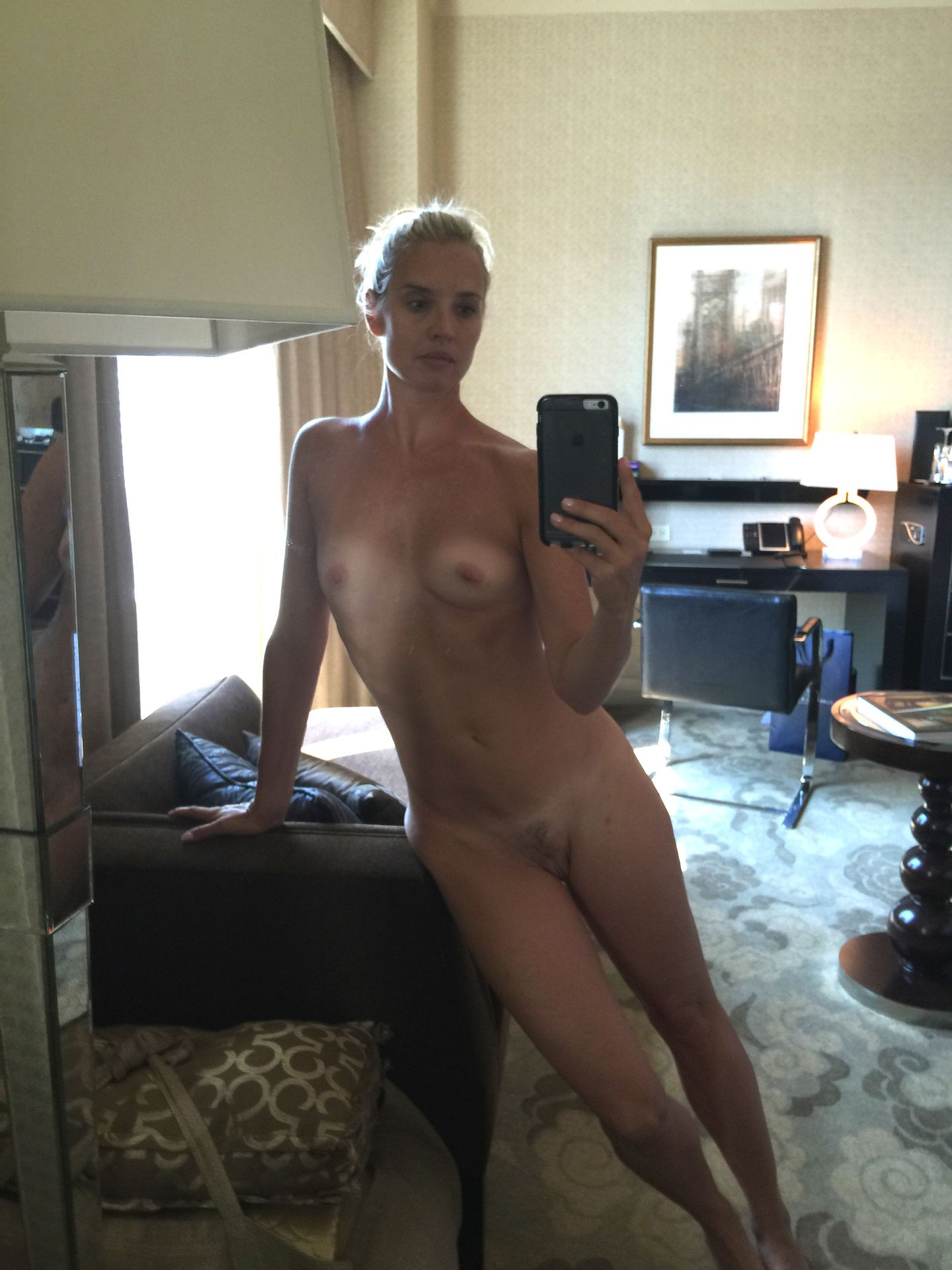 Laurie Dhue Nude Leaked thefappening.nu 1