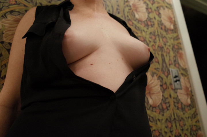 Rose-McGowan-Nude-Leaked-thefappening.nu-787ae5a0dd426c44ec.jpg