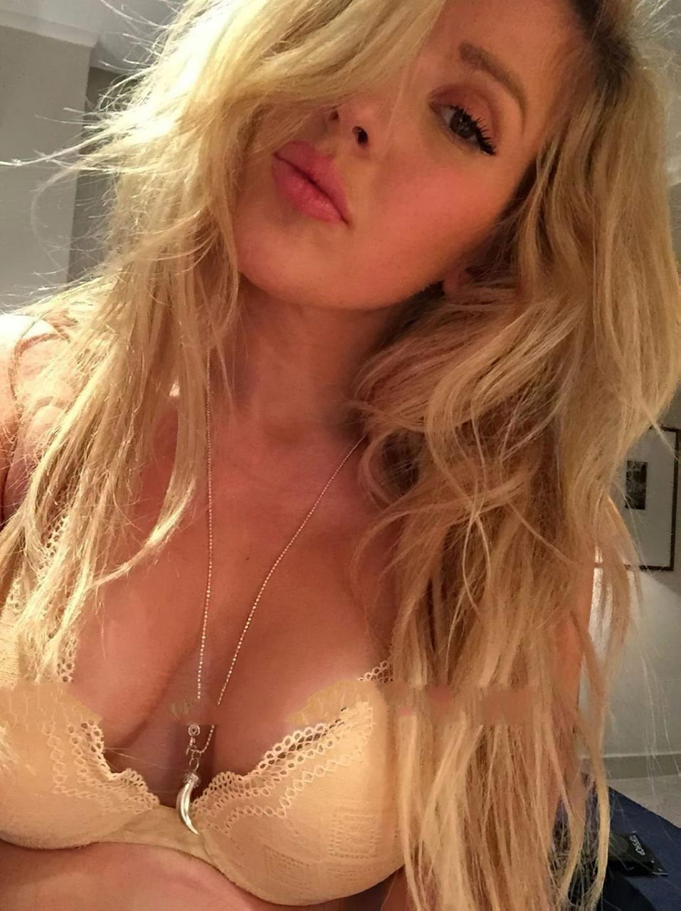 Ellie Goulding Leaked Nude Naked Sexy 1 fappenings.com