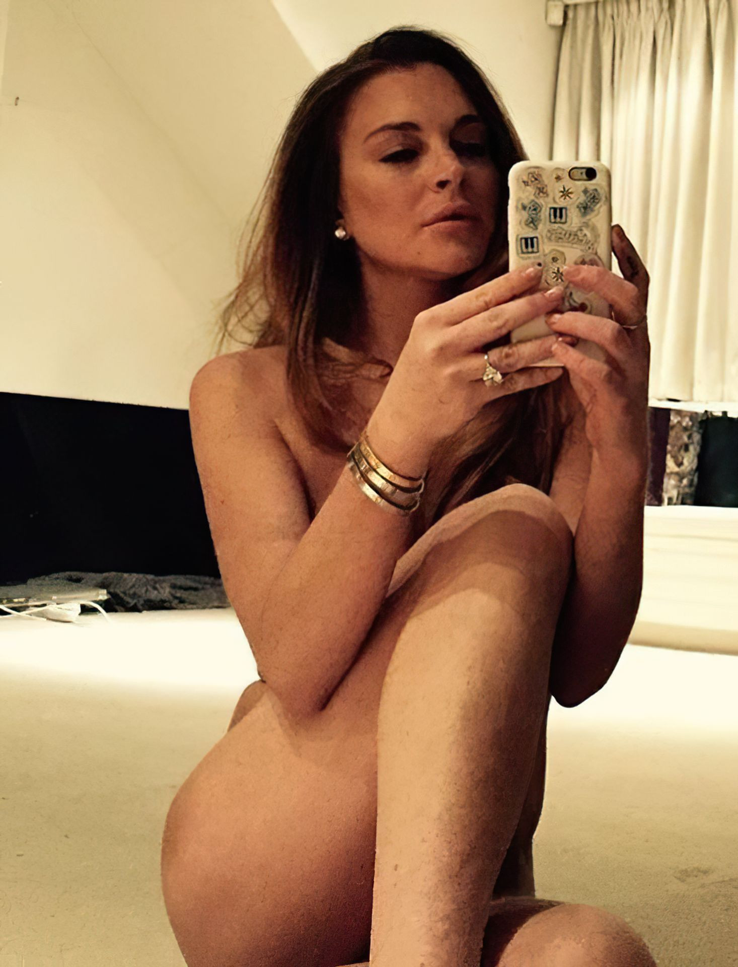Lindsay Lohan Sexy Leaked The Fappening fappenings.com 6