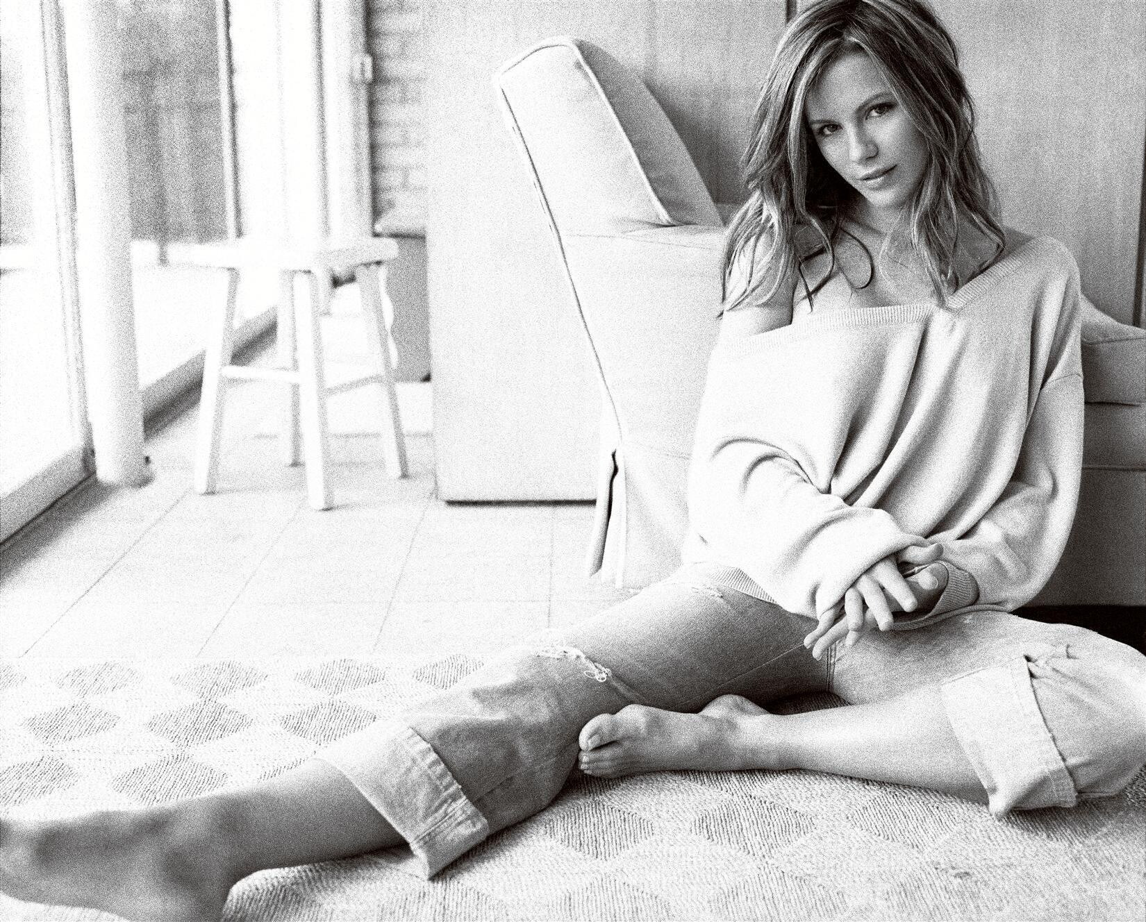 Kate Beckinsale Sexy fappenings.com 1