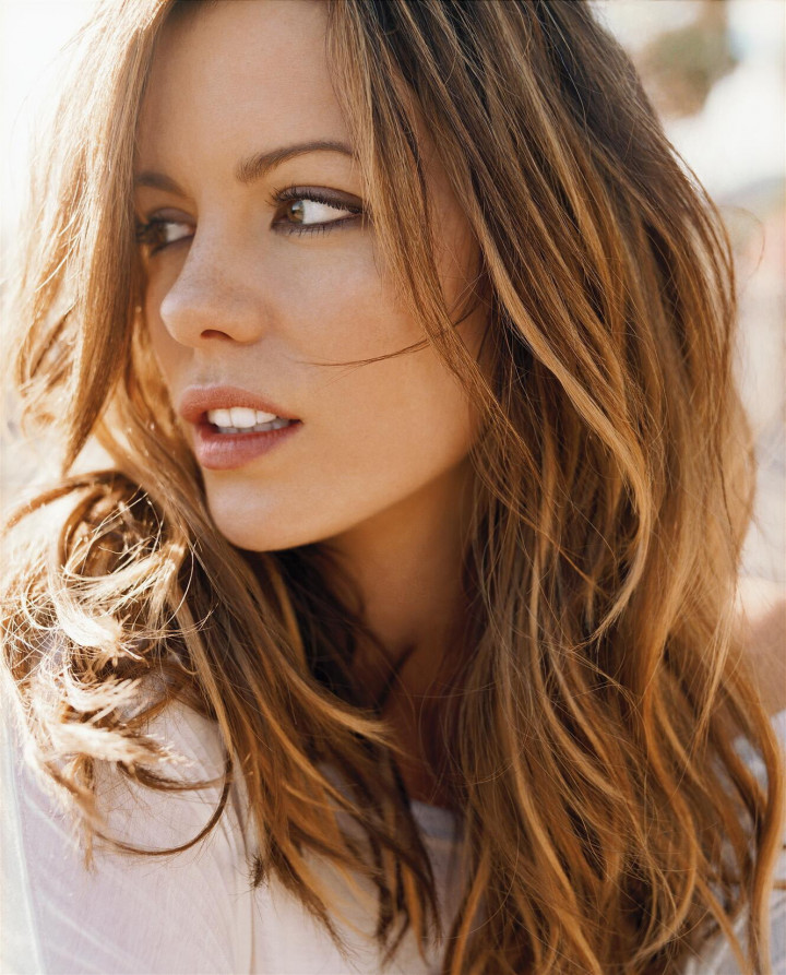 Kate Beckinsale Sexy fappenings.com 9
